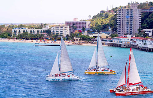 Catamaran Cruise from Montego Bay. - Click Image to Close