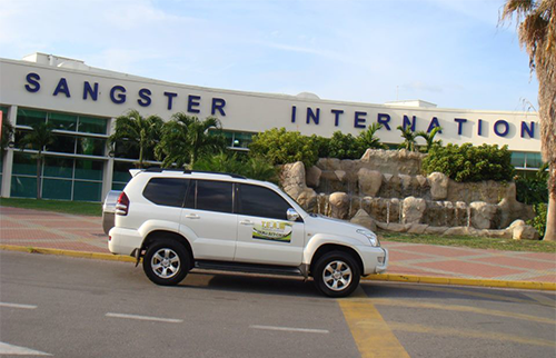 Goldeneye Hotel SUV Transfer from Montego Bay Airport